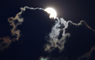 moon-resize